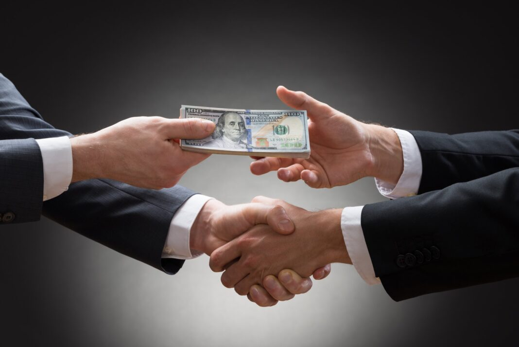 U.S. Chamber Of Commerce Paying People $2,000 To Pretend Binding Arbitration Is Good